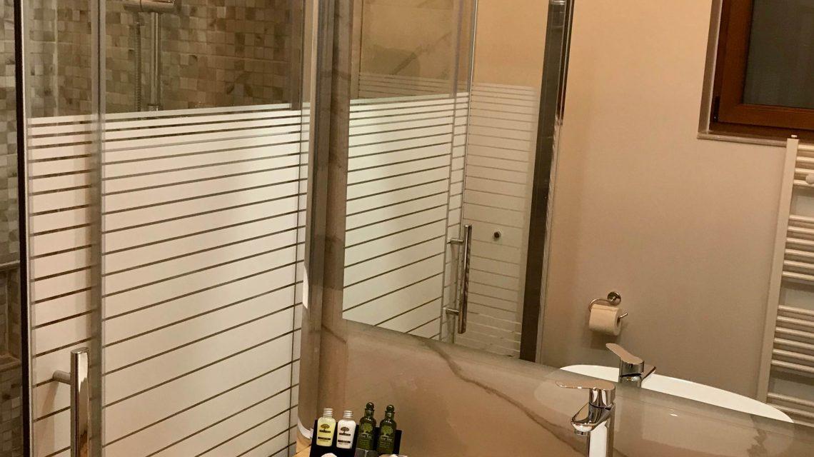 "Share the post ""Suite-bathroom"" FacebookPinterestTwitterEmail"
