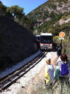Odontotos-train-hiking